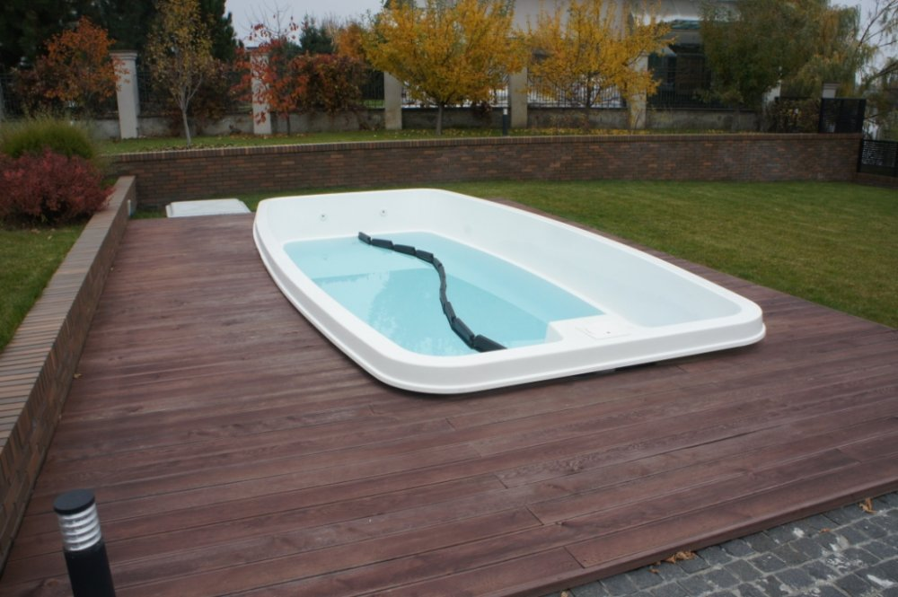 Shield float in the pool for the winter