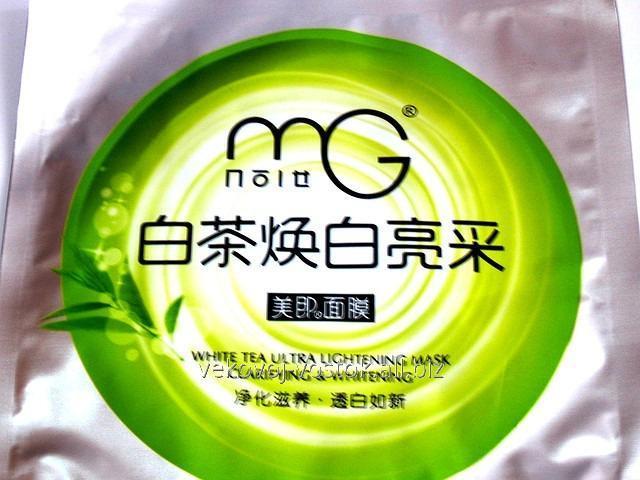 Косметическая маска для лица с экстрактом белого чая.