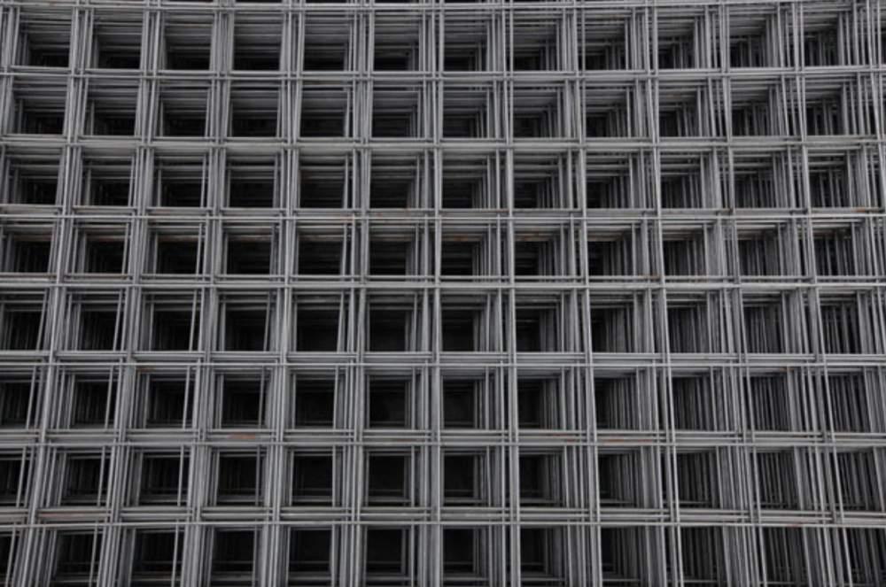 Сетка сварная 12х12, 25х12, 25х25, 25х50, 50х50 из проволоки 0,7-2,0 мм черная