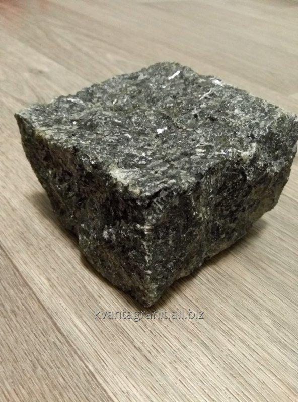 Брусчатка колотая Катериновский лабрадорит черный 100*100*50 мм
