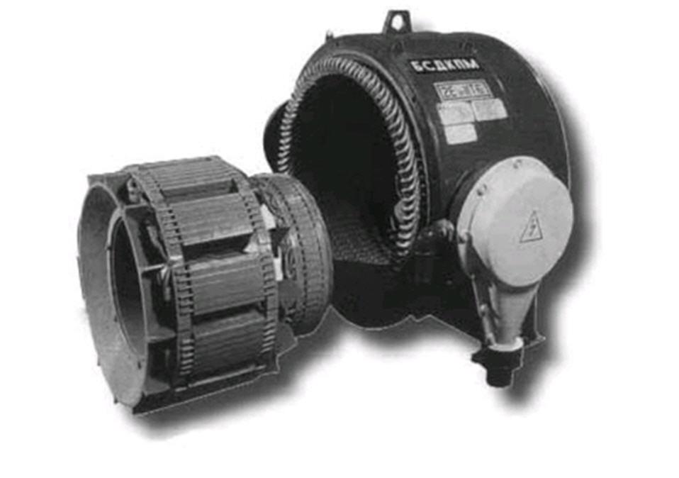 Ээлектродвигатели синхронные двухполюсные для привода газового компрессора