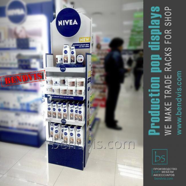 Рекламные торговые стойки NIVEA для гигиены