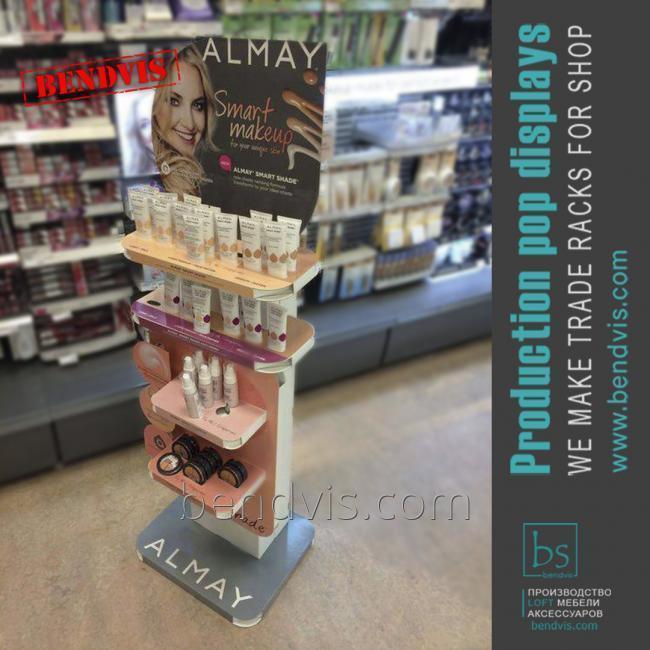 Showcase para cosméticos Almay