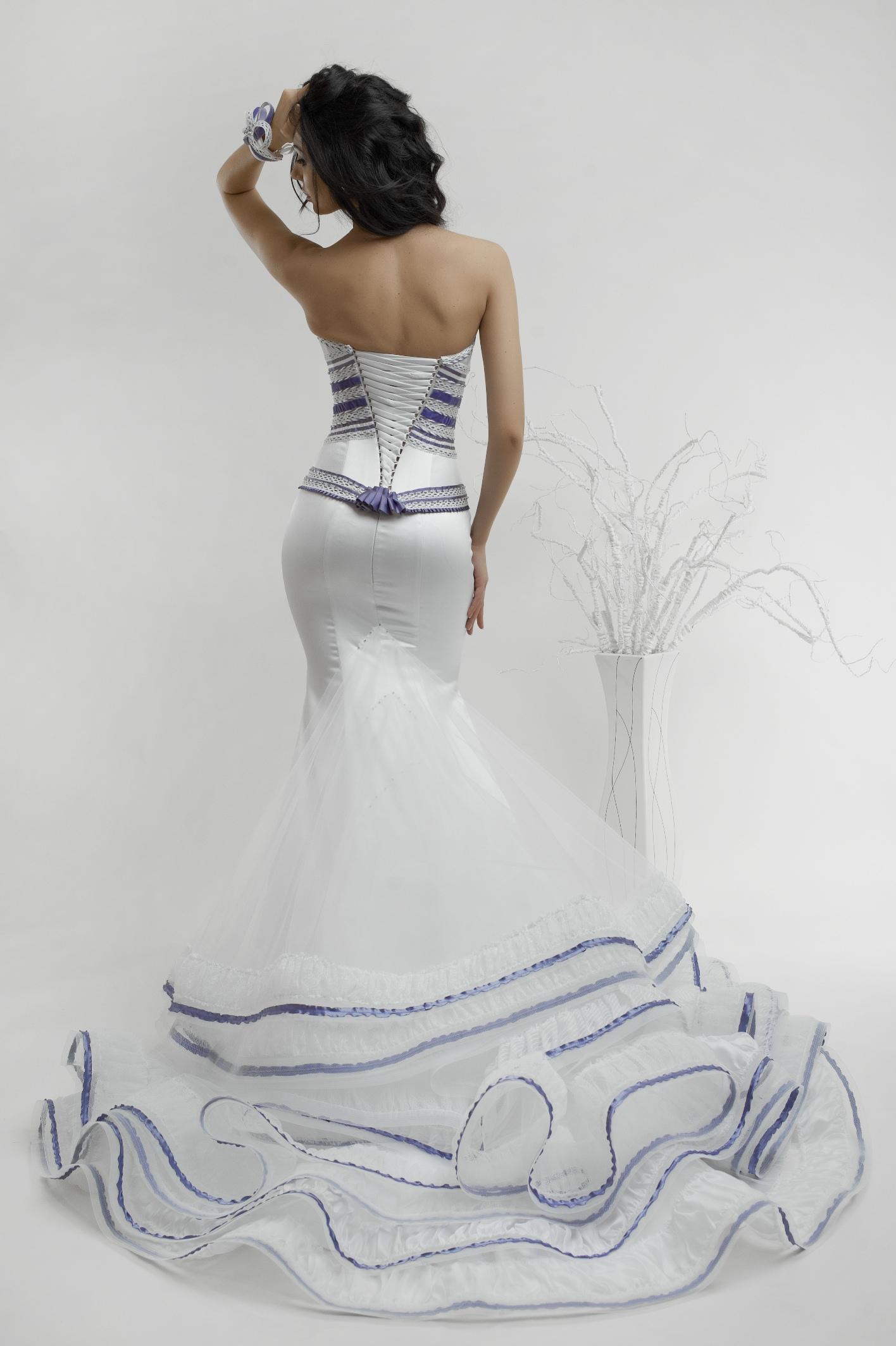 Самые красивые свадебные платья под