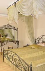 Мебель кованая: Кровати, Стулья, Подставки