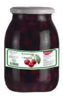 Inned cherries and sweet cherries compote