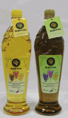 Not refined and refined oil of grape seeds