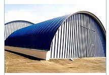 The hangar is beskarkasny