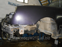 Front part of body W-210.E-class Mercedes