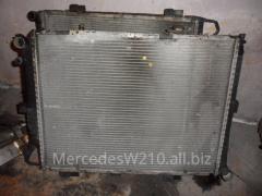 Радиатор основной дизельный мотор Мерседес