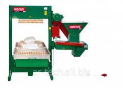 The press is 600 kg/h, hydraulic, forming with a