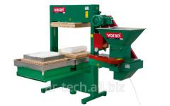 The press is 600 kg/h, hydraulic, forming with the