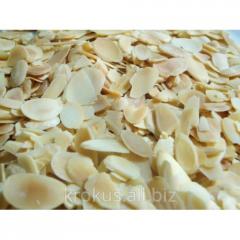 Almond petals / almond plates / almond flakes /