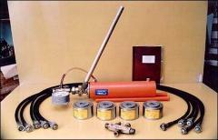 Устройство для подпрессовки обмоток трансформатора
