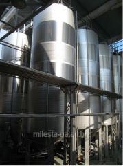 Capacities for fermentation of wine, beer