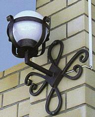 Кованые фонари в Запорожье, Украина. Мы следим за