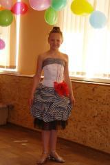 Dress children's corset and also abundance of