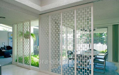 Wooden, decorative partitions to the house to get