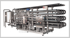 Pasteurizers flowing for wine
