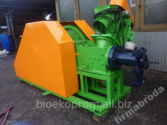 Press for briquetting. A press for fuel briquettes