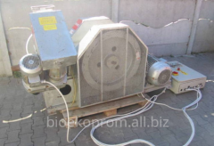 Briquetting press (press Spaneh briquettes)