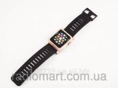 The protective LunaTik Kit Gold case for Apple