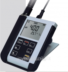 Ph device meter of KNICK Portavo 902. Instruments of measurement pH in the food industry
