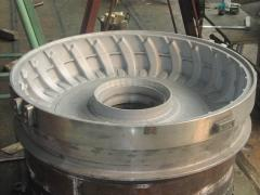 Agricultural tire compression mold