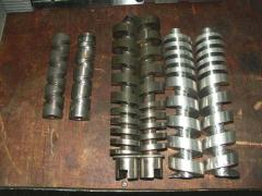 Worm shafts and couples