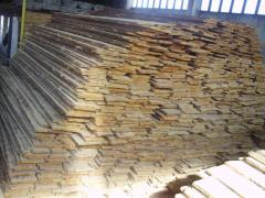 Boards are not cut, pine dry expor