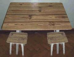 Комплект детской (дачной) мебели : стол + 2