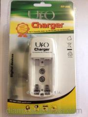 The UFO RP-886 charger on 2 rechargeable batteries
