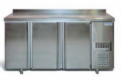 Refrigerating tables
