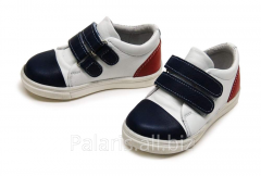 Sneakers on Palaris 2021-366415 flypaper, the