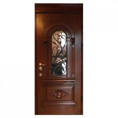 Входные двери из натурального дерева