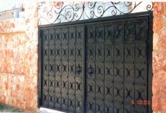 Ворота, калитки , заборы кованые.