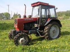 Трактор ЮМЗ в нерабочем состоянии в Крыму.