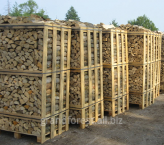 Firewood a dry oak, a hornbeam is packed on 2