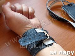 Sports wristlet from skin black