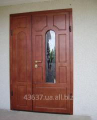 Входные двери со стеклопакетом и декоративной