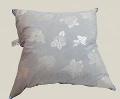 Feather and down pillow 10% down size 70x70 cm