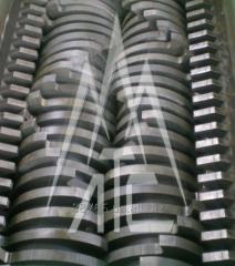 Equipment for rubber crushing