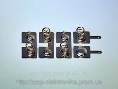 Set of contacts for power supply from four AA
