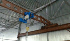 The crane beam for lifting and moving freight in