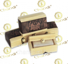Natural salt deodorant of Chandi in a bamboo box,