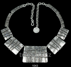 Necklace 1043