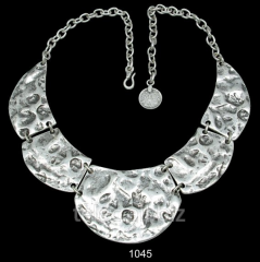 Necklace 1045
