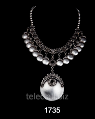 Necklace 1735