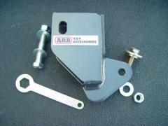 ARB Hi-Lift Jack Adapter крепится болтом к