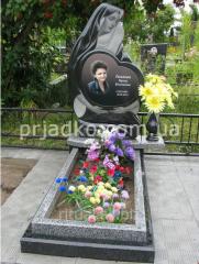 Эксклюзивный памятник Божьей Матери на кладбище